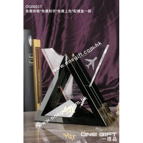 OG06037 三角形水晶配黑水晶底座
